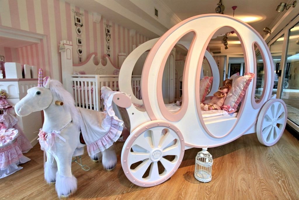unique beds for girls with chariot and pony