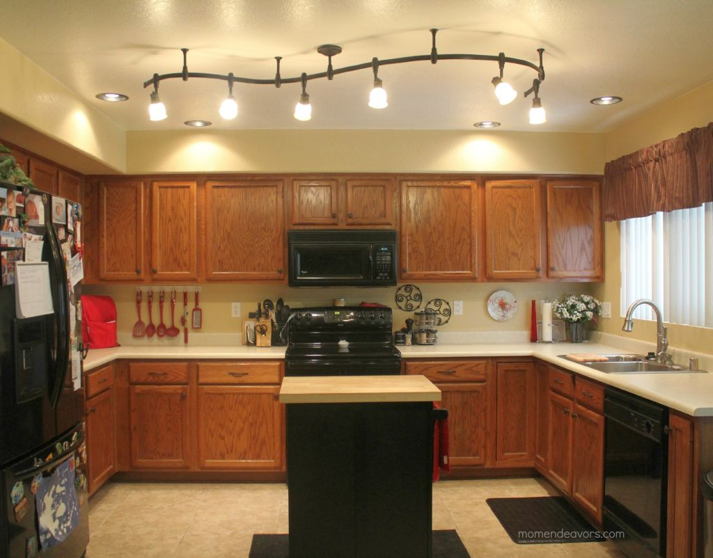 20 amazing mini pendant lights over kitchen island for Over island light fixtures