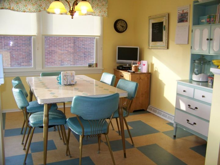 vintage and retro kitchen design for narrow space