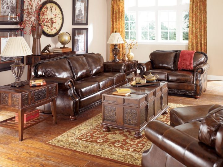 Vintage Living Room Ideas With Plush Leather Sofa
