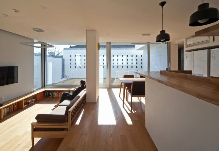 172M2 Compact House sitting room