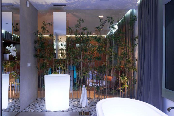 Agalarov Estate bath tub side