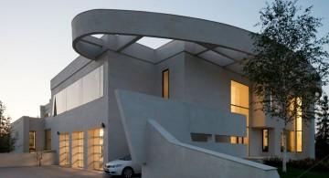 Agalarov Estate garage