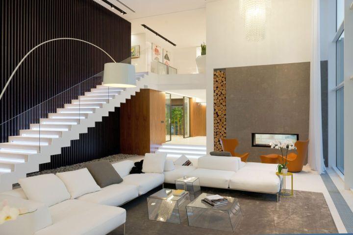 Agalarov Estate main living room
