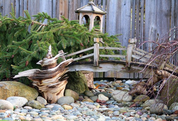 17 awesomely neat diy garden bridge ideas for Small japanese water garden