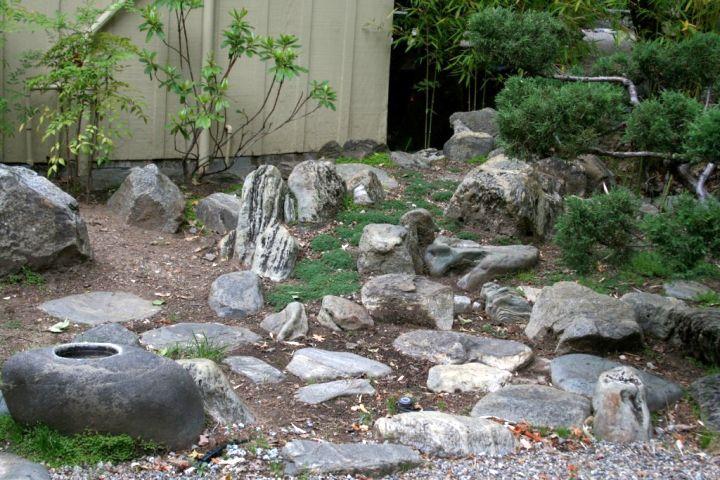 Japanese style small rock garden designs