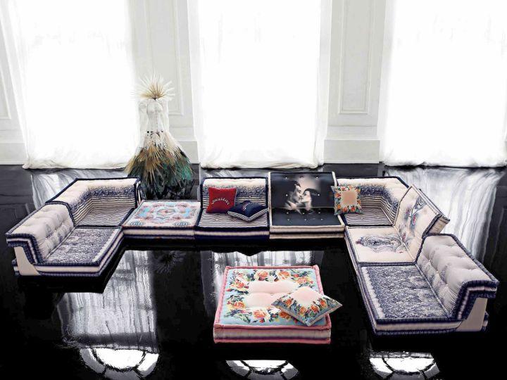 artful and elegant mah jong sofa