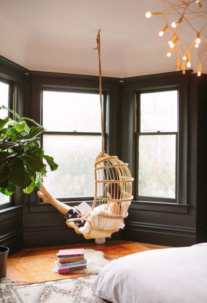 bedroom swings with unique pendant lamp