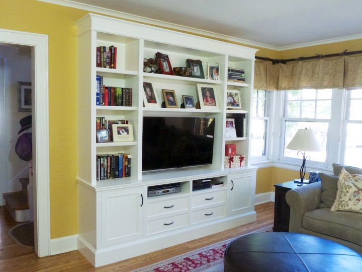 Built in tv for small living rooms for Built ins living room ideas