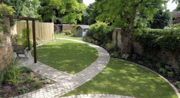 clean and minimalist Japanese landscape design