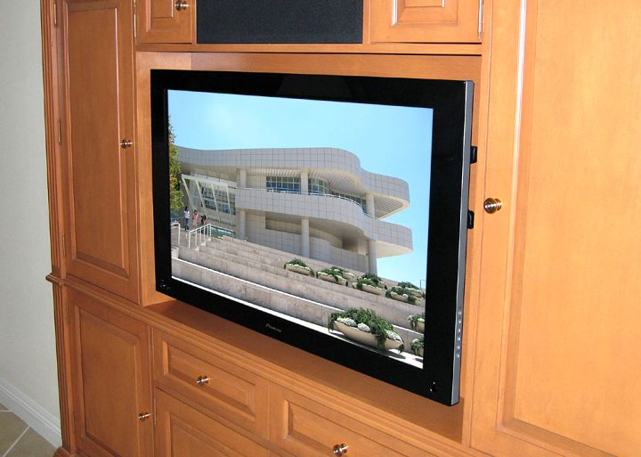 close up built in TV
