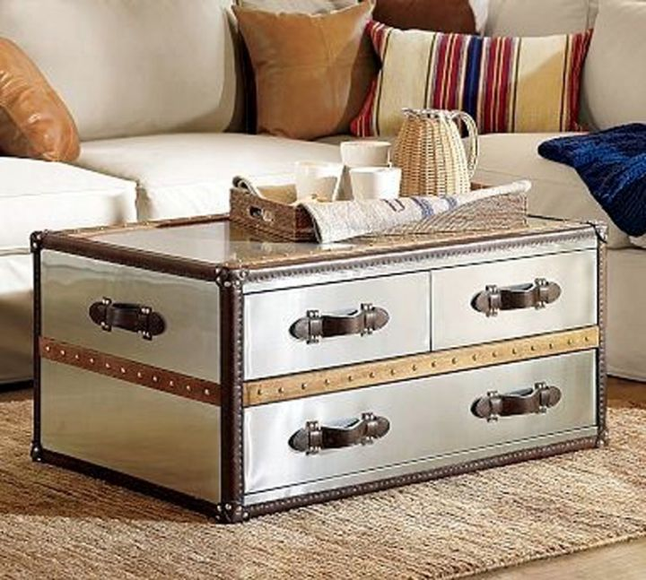 18 elegant trunk coffee table designs Trunks coffee tables