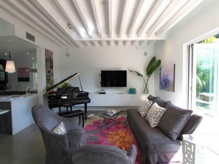 17 exposed beam ceiling designs in rustic but modern interior for Exposed ceiling design