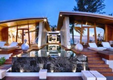 featured image of Iniala beach house front view
