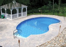 featured image of large kidney shaped swimming pool design
