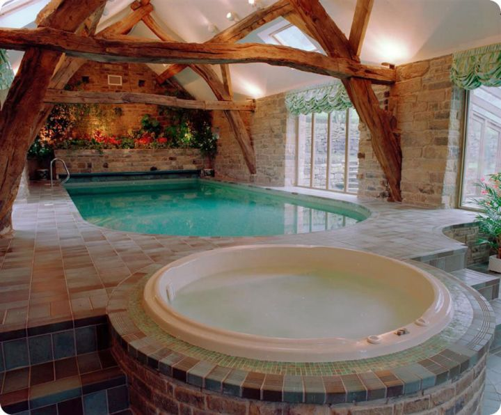 18 amazing homes with indoor pool modern architecture ideas for Small indoor pool ideas
