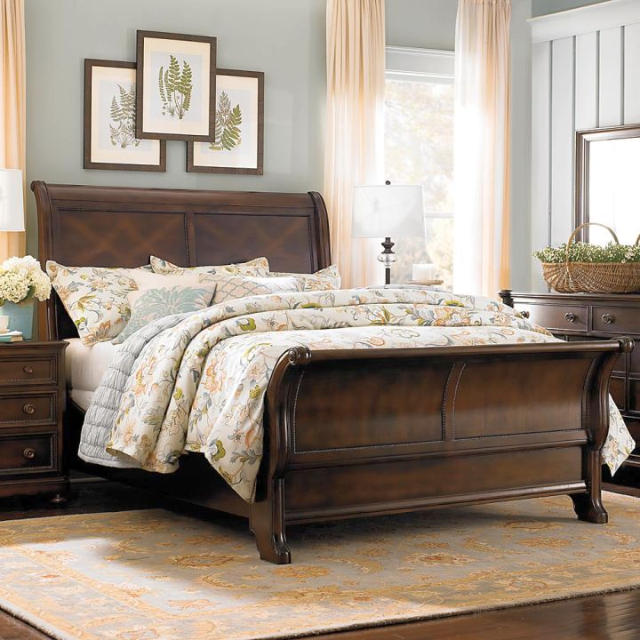 50 Sleigh Bed Inspirations For A Cozy Modern Bedroom: 17 Majestic Looking Sleigh Bed Designs