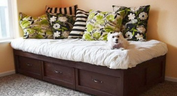 how to make daybed with dark woods