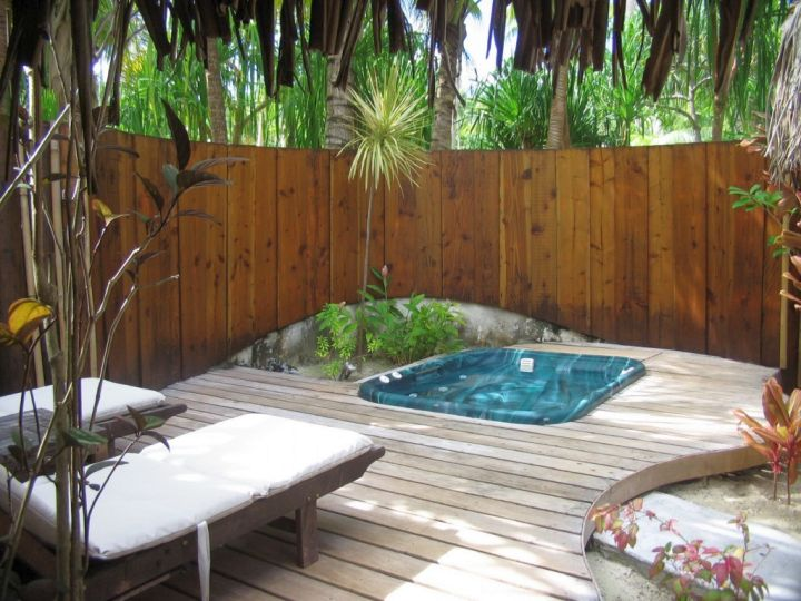 Gallery for Pool for Small Yard Design Ideas