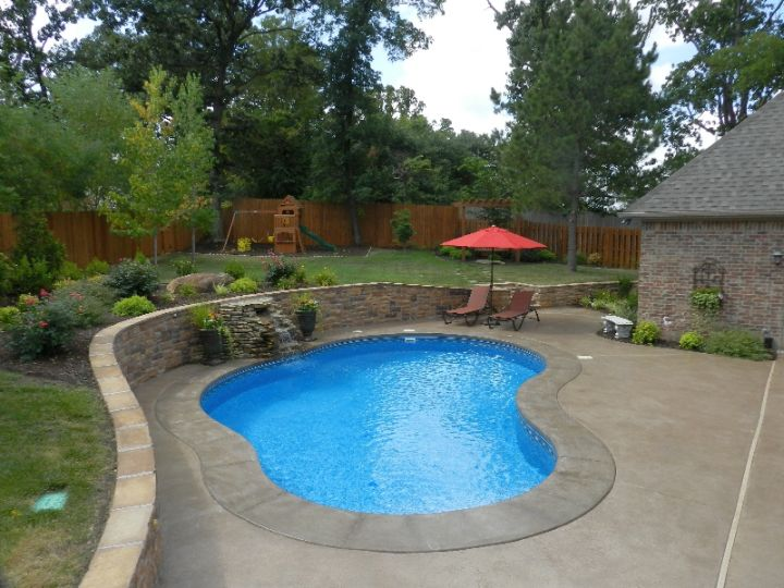 17 minimalist kidney shaped pool designs for Pictures of small inground pools