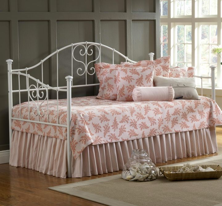 lovely daybed images in pink flower slipcover