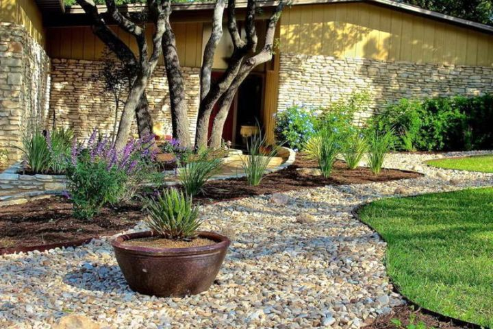 & minimalist simple rock garden ideas