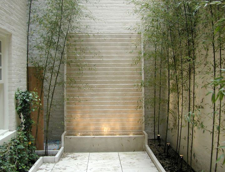 17 modern water feature designs for your garden for Water wall plans