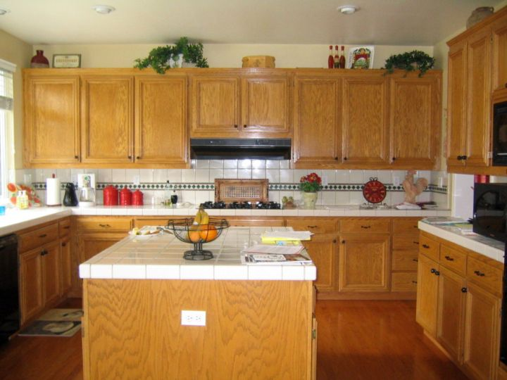 17 most popular kitchen cabinet colors for 2015 What is the most popular color for a kitchen