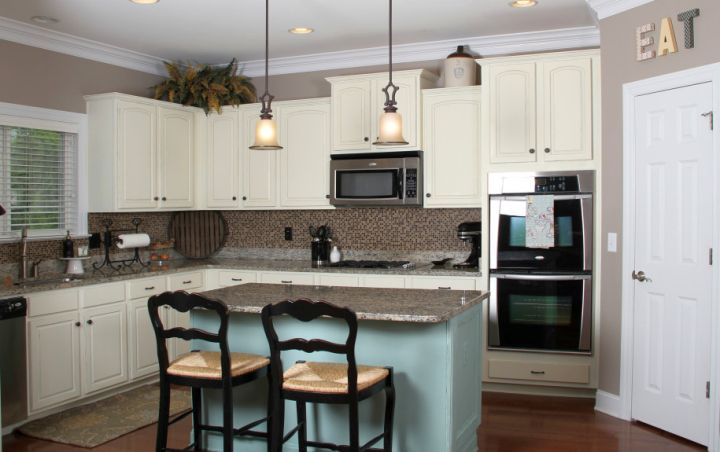 popular cabinet colors white