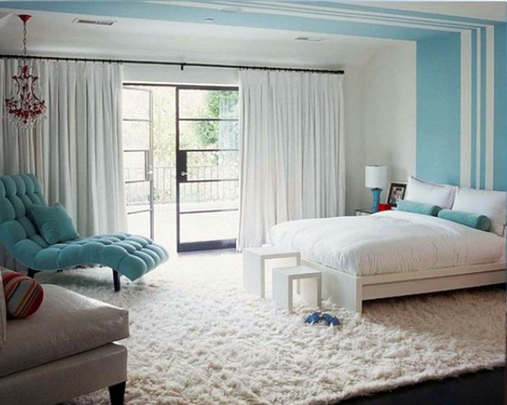 relaxing bedroom ideas in blue and white