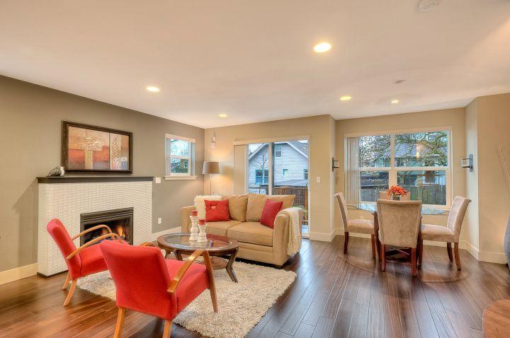 room arrangements with retro sofa
