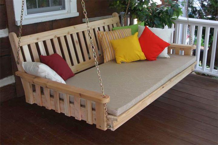 simple Outdoor swinging beds