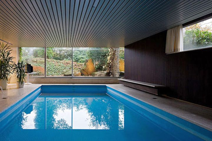 18 amazing homes with indoor pool modern architecture ideas for Mansion plans with indoor pool