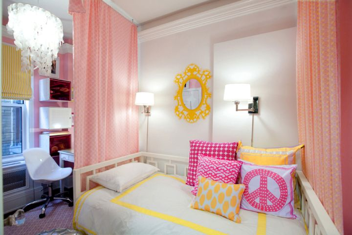 simple hot pink room with chandelier