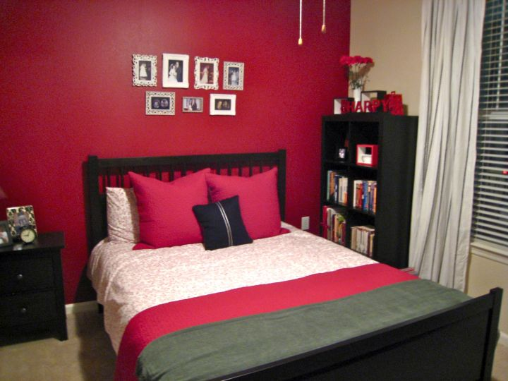 17 hot red bedroom wall ideas to spice up your life - Wallpaper for womens bedroom ...