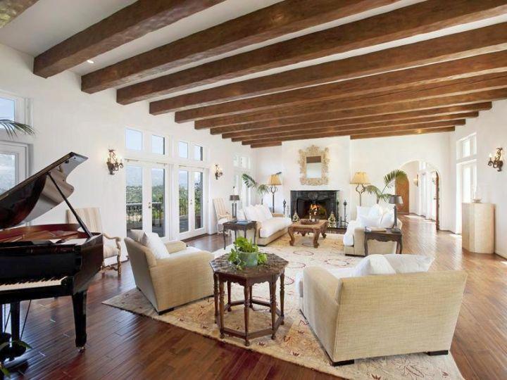 17 exposed beam ceiling designs in rustic but modern interior. Black Bedroom Furniture Sets. Home Design Ideas
