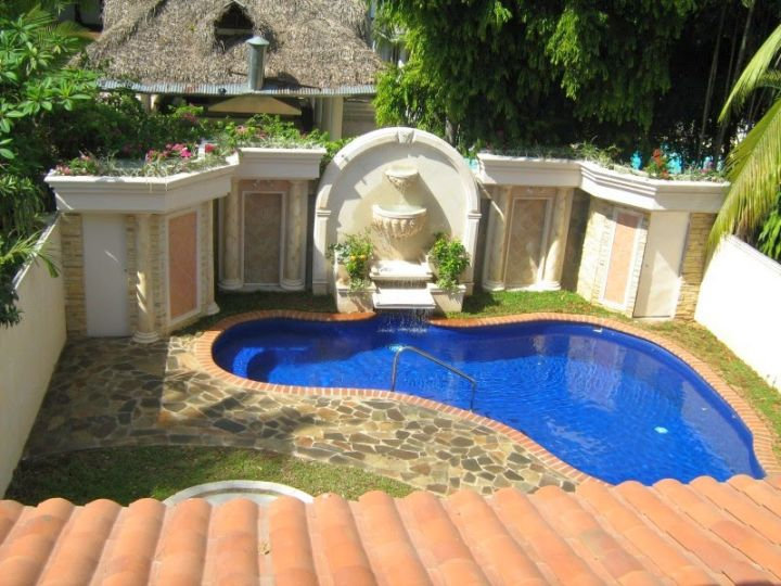 Small pool ideas for very small yard for Small pools for small yards