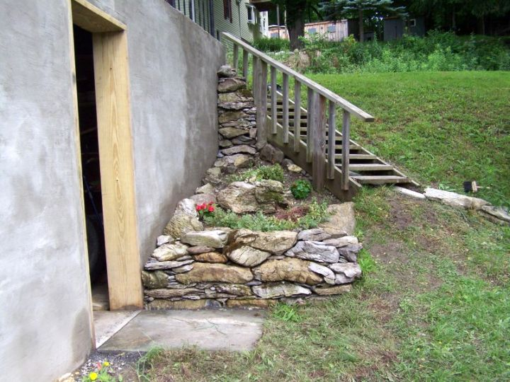 small rock garden designs on the corner