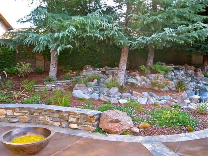 Awesome Garden Landscaping Ideas For Small Gardens: 18 Simple Small Rock Garden Designs