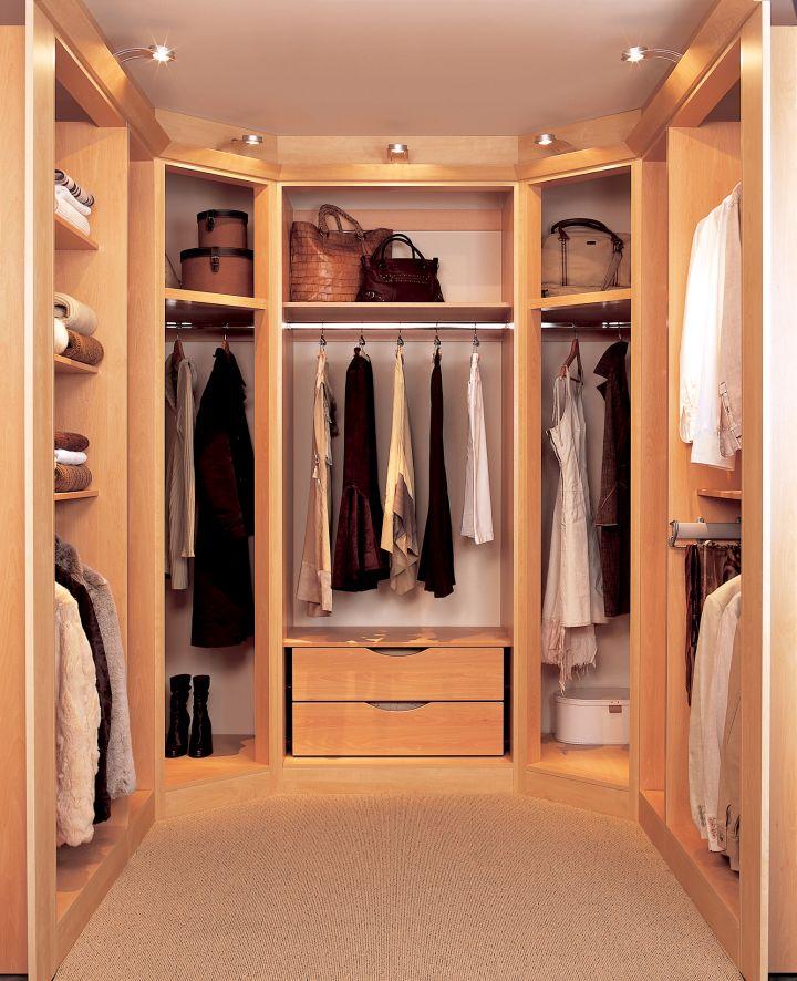 19 Walk In Closet Furniture Designs To Prep You Up In No Time