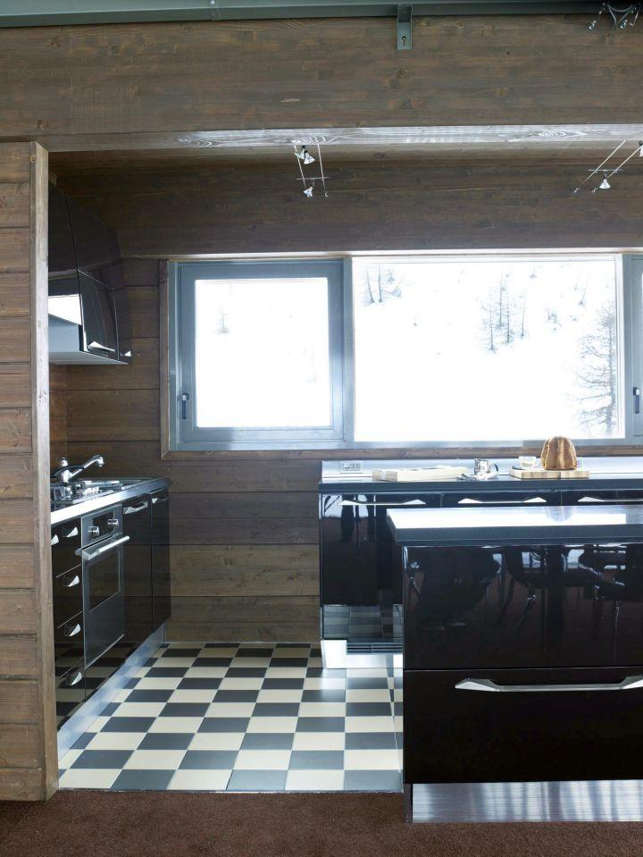 Camelot 2 kitchen entrance