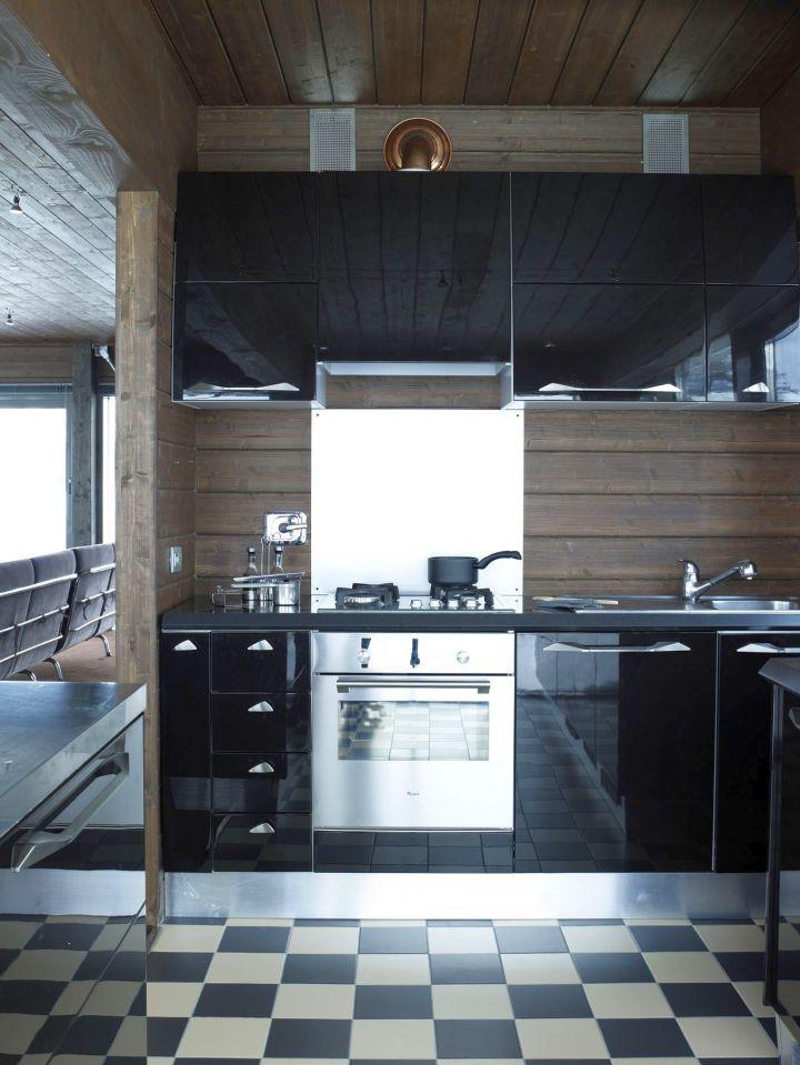 Camelot 2 kitchen stove