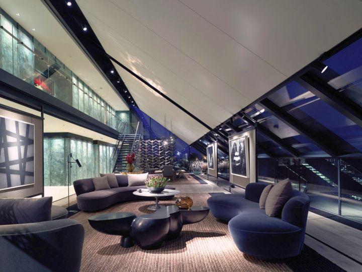 Penthouse NEO balcony lounge