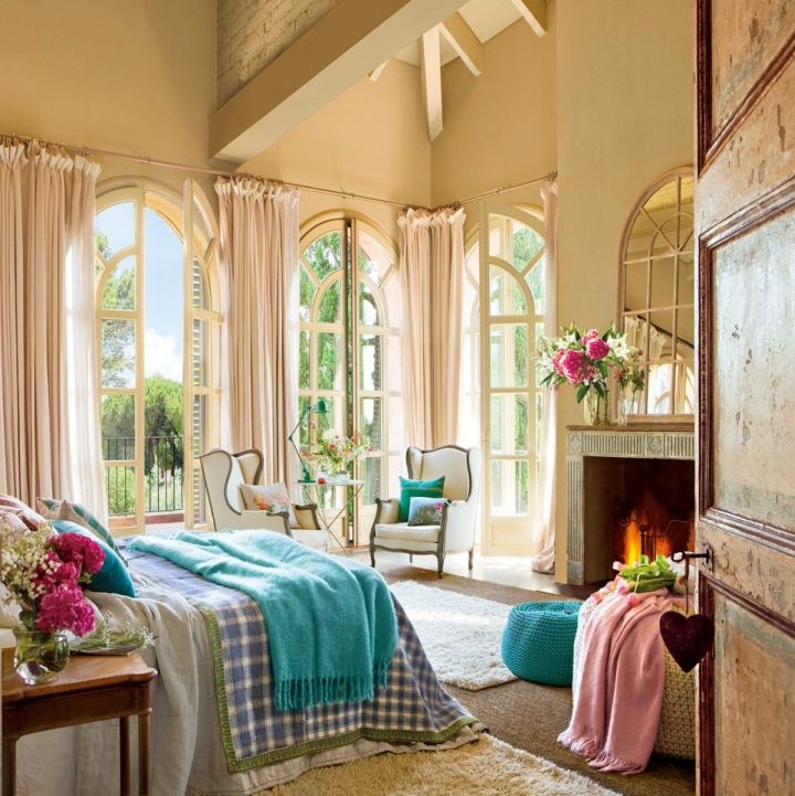 classy vintage bedroom decoration ideas with sitting area and fireplace
