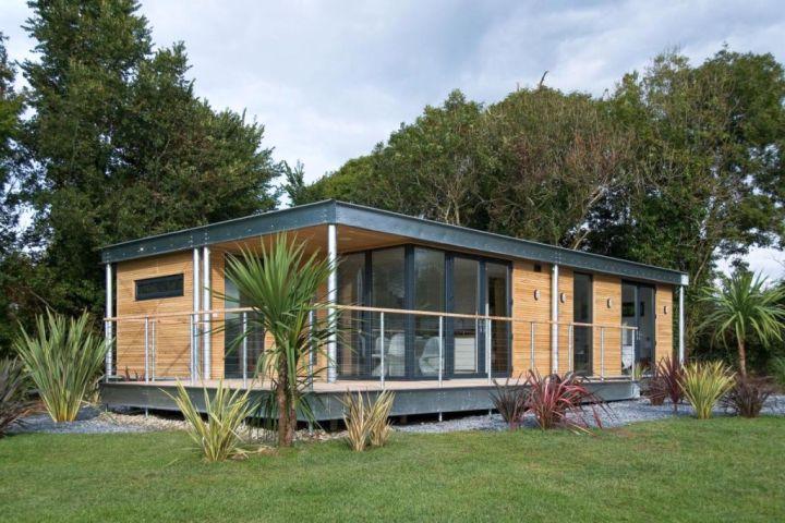 contemporary mobile homes with small garden