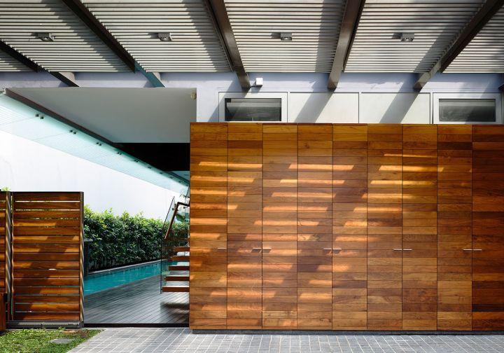 detached modern house entrance
