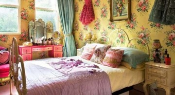 featured image of vintage bedroom decoration ideas with yellow flower wallpaper
