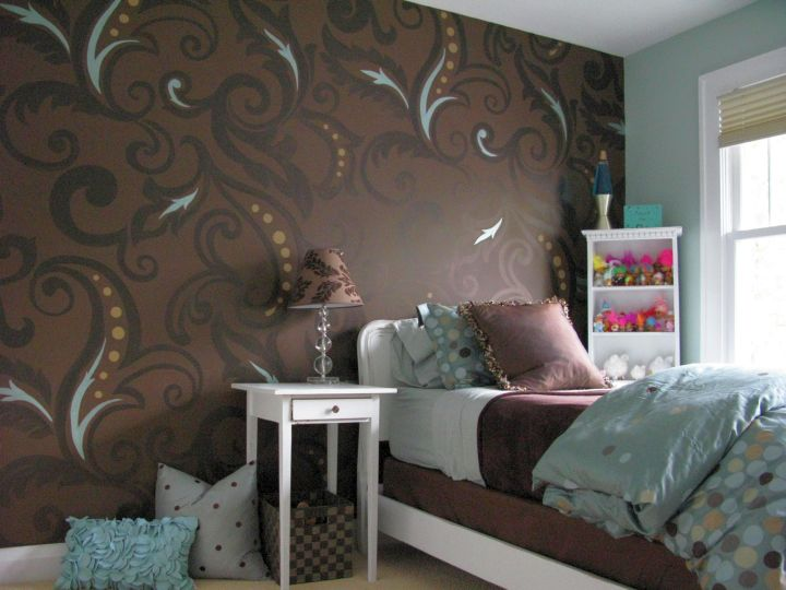 funky bedroom ideas with oversized pattern