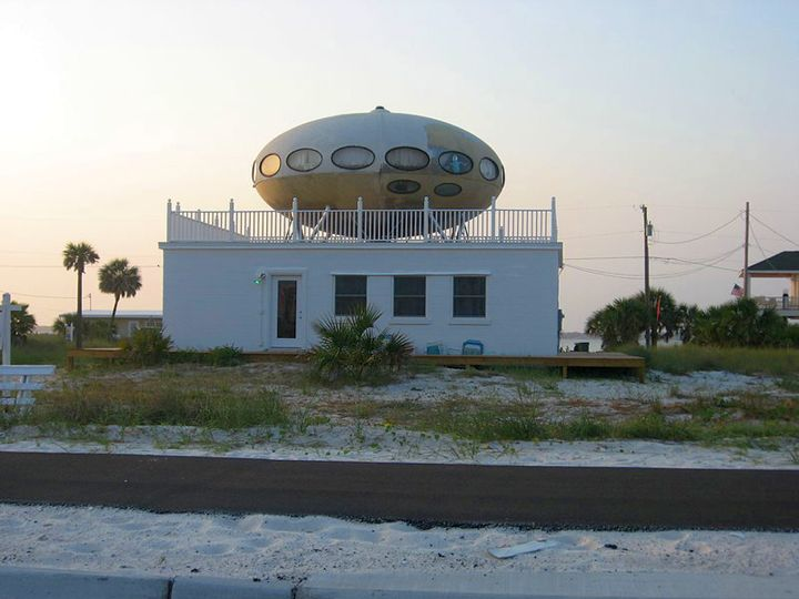 futuristic house plans with ufo on top