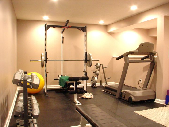 17 modern home gym design ideas to keep you toned - Piccola palestra in casa ...